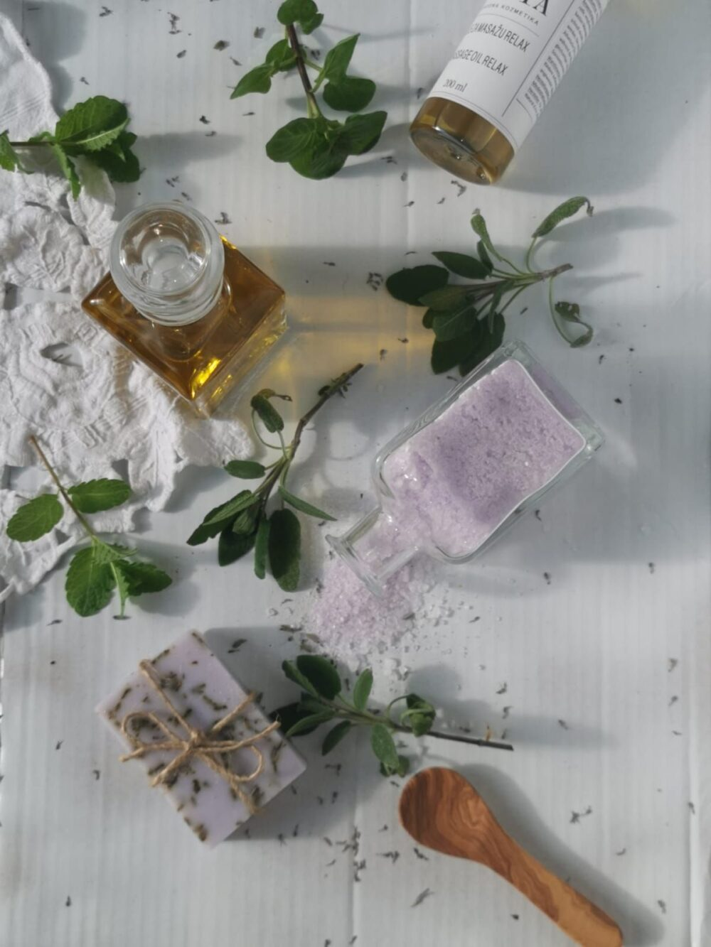 Ulje za njegu i opuštajuću masažu tijela s mirisom lavande i ylang ylanga Relax