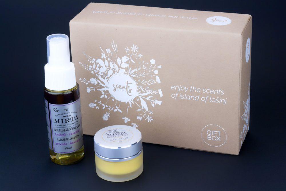 Poklon pakiranje kozmetike koje sadrži kremu za lice 15 ml i emulziju za čišćenje lica 50 ml